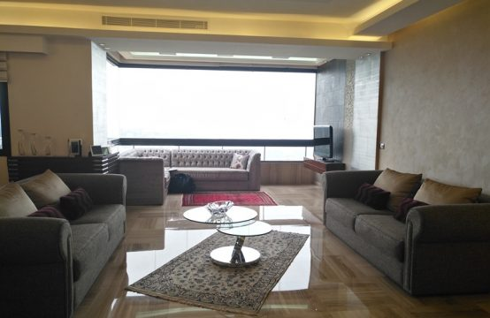 240sqm Apartment for sale in Rabieh
