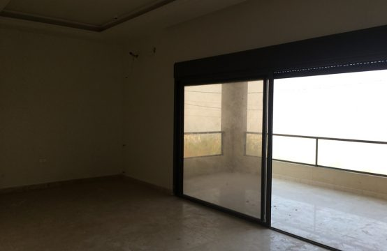 185sqm Apartment for sale in Bsalim