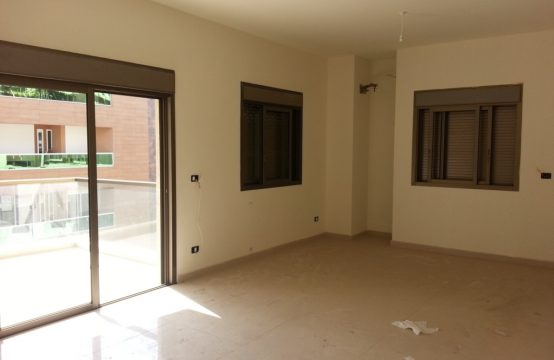 225sqm Apartment for sale in Adonis