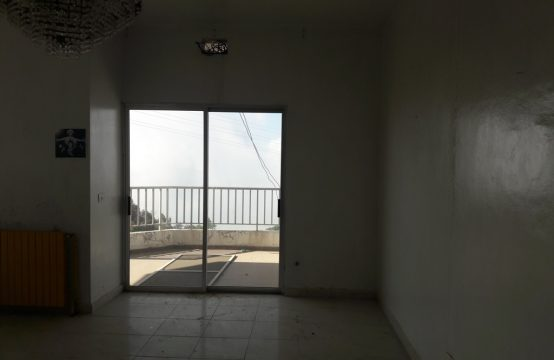 168sqm Apartment for sale in Achkout