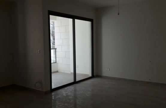 115sqm Apartment for sale in Zouk Mikeal