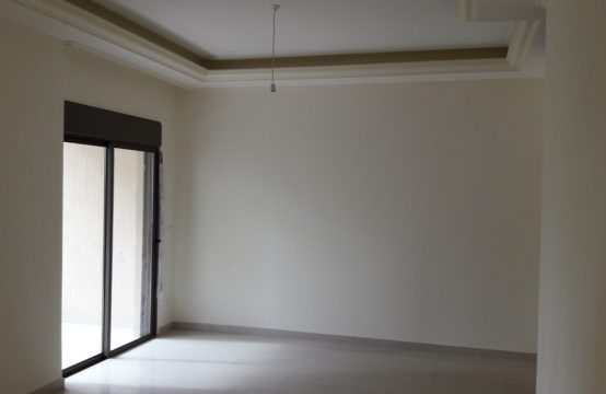 125sqm Apartment for sale in Zouk Mikeal