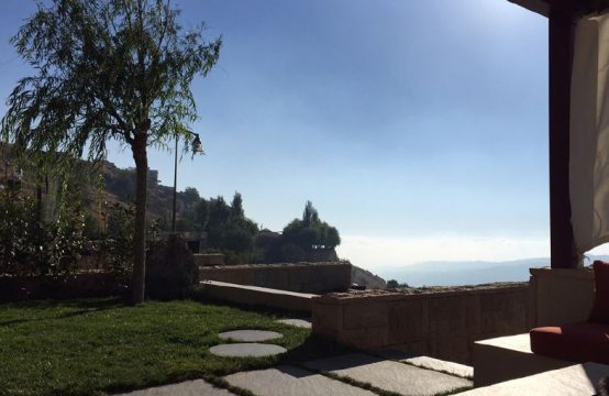 315sqm Villa for sale in Faraya + 210sqm Garden