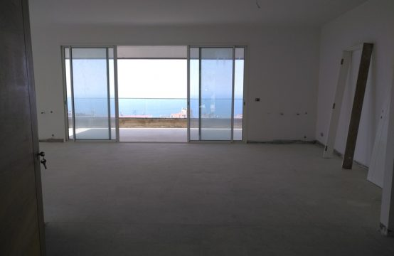 340sqm Apartment for sale in Biyada