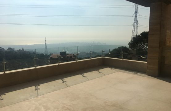 300sqm Apartment for sale in Ain Saade
