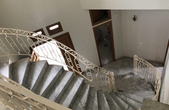 Villa for sale in Kornet El Hamra
